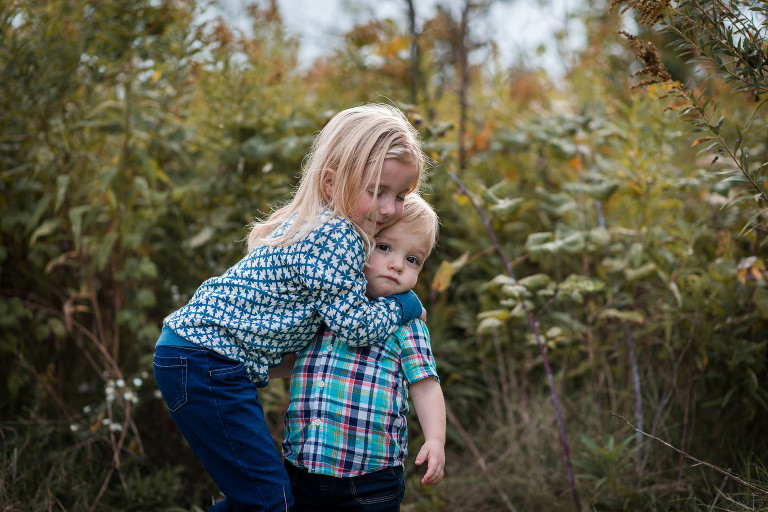 Fall mini sessions at Metea County Park in Fort Wayne, Indiana. Fort Wayne photographer Kasey Wallace Photography